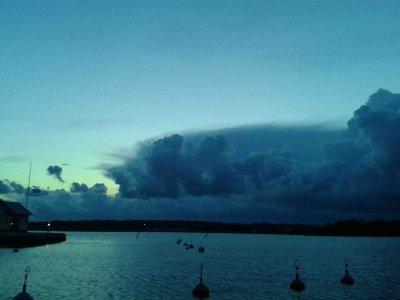 Unwetter über Suedfinnland und schweres Wetter bei mir